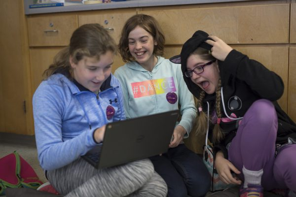 Hacker Gal events held at Holborn Middle School, St. Thomas More School, Sawmill Creek Public School, D. Roy Kennedy Public School in Ottawa, Ontario. 20171213.  Photo/David Jackson